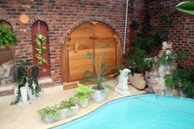 Indoor Pool Jeffreys Bay Guesthouse